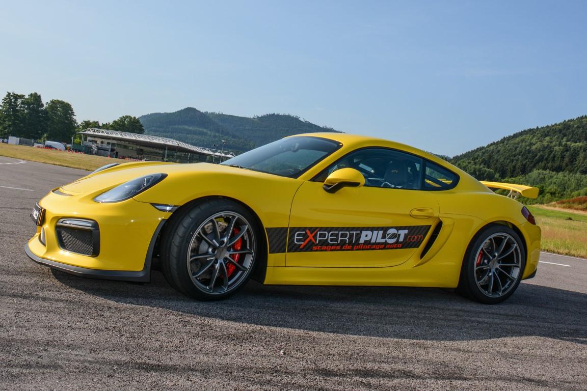 Photo porsche cayman GT4